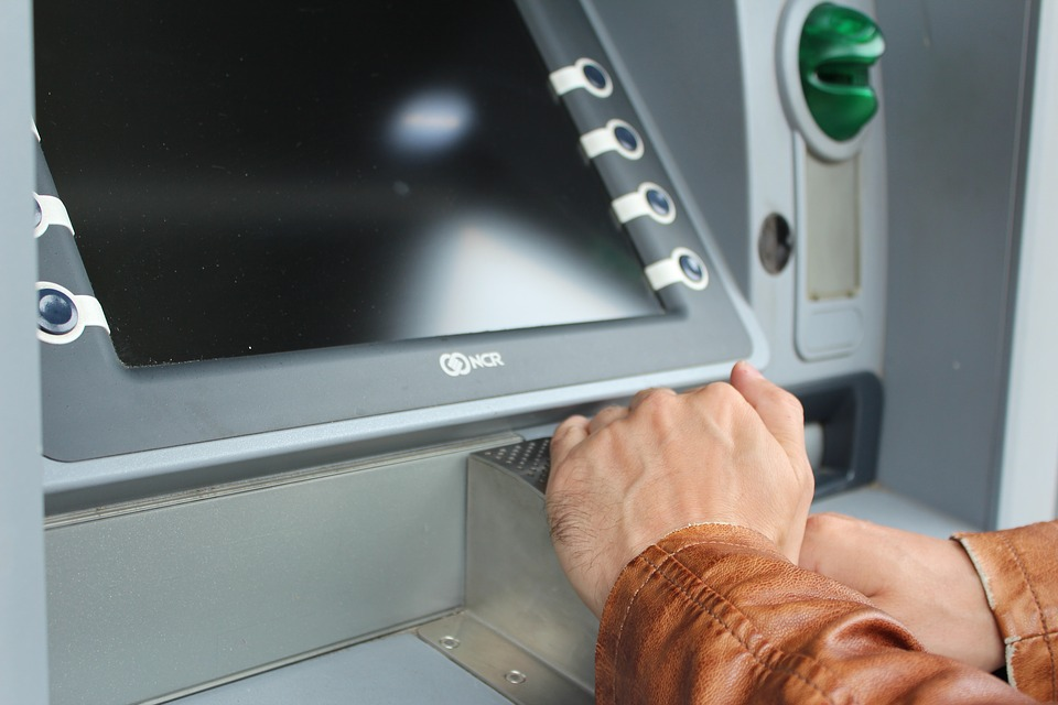 ATM - How to spot card skimmers and stay safe in 2018