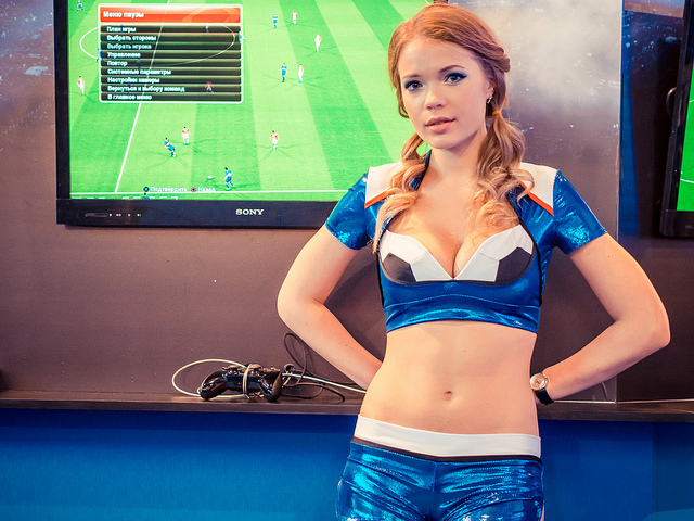 gaming promo girl - UK gaming habits: Female Gamers Reign Supreme